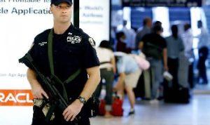 aeroporto di flint 300x178 TERRORISMO, Michigan: accoltellato un poliziotto