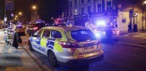 van londra 300x146 Terrorismo, Londra: furgone investe musulmani, un morto e dieci feriti