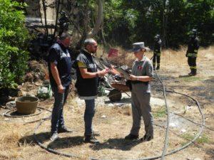 forestale1 300x225 Incendia rifiuti pericolosi in un podere, arrestato agricoltore