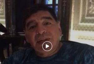 maradona 300x207 Maradona atteso stasera in Piazza Plebiscito per la cittadinanza onoraria