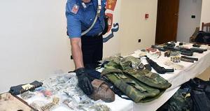 BOMBE 300x159 SCOPERTO ARSENALE DI CLAN CAMORRISTICI