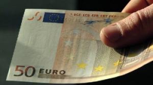 EU 300x166 GdF ARRESTA ITALIANO: SEQUESTRATI CELLULARI E SOLDI FALSI
