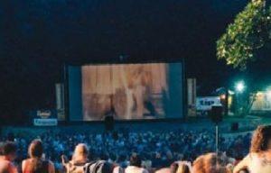cinema allaperto 1 300x192 STASERA IN VILLA COMUNALE IL FILM DI ANIMAZIONE 'I PUFFI 3'