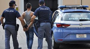 ps 300x166 POLIZIA ARRESTA OMICIDA RICERCATO IN TUTTI I PAESI EUROPEI