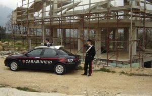 Abusi edili 2 300x190 ISERNIA: ABUSIVISMO EDILIZIO E SALVAGUARDIA DEL PATRIMONIO PAESAGGISTICO, SEI PERSONE DENUNCIATE DAI CARABINIERI