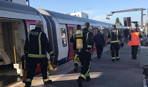 metro londra 300x176 TERRORISMO: ORDIGNO ESPLODE NELLA METROPOLITANA DI LONDRA
