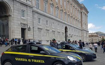 GdF GdF: INTERVENTI ANTI ABUSIVISMO ALLA REGGIA  E AL CIMITERO DI CASERTA