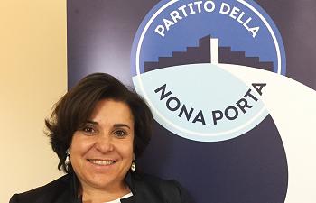Il segretario Caterina MECCARIELLO LA NONA PORTA: LA CHIARA VOCE DELLE DONNE. LE DONNE SOVRANE