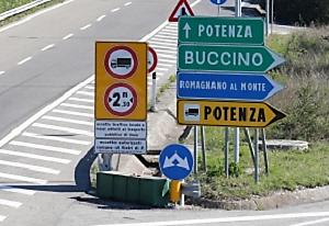 buccino NOVE ANNI DALLA TRAGEDIA DI BUCCINO, MA LE QUATTRO STELLE NON MORIRANNO MAI