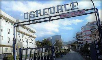 ospedale OSPEDALE…PAZIENTE ANZIANA LEGATA ALLE SBARRE DEL LETTO. ERA AGITATA…