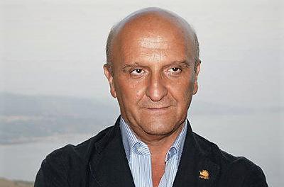 Tommaso SGUEGLIA sindaco Caiazzo TRASFERIMENTO TEMPORANEO DELLA CASERMA DEI CARABINIERI A RUVIANO, IL SINDACO DI CAIAZZO INSORGE