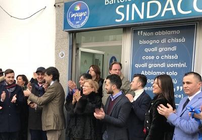 Inaugurazione 2 IL CANDIDATO SINDACO DI BENEDETTO INAUGURA LA SEDE ELETTORALE E PROMETTE IL CAMBIAMENTO
