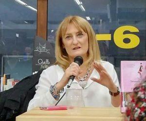 Perullo Donatella Recale 300x247 DONATELLA PERULLO PRESENTA IL LIBRO IL GIOCO DEL RAGNO ASSIEME AI GD