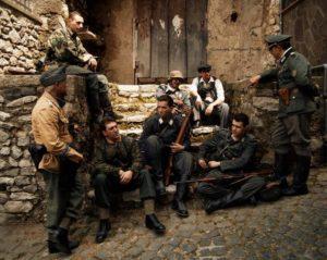 Truppe 300x239 CASERTA CELEBRA AL DUEL LA SUA LIBERAZIONE CON TERRA BRUCIATA, IL FILM SULLA RESISTENZA CASERTANA