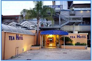 tea hotel 300x199 CAMPANIA LIBERA DI CASAPULLA: OGGI CONFERENZA STAMPA AL TEA HOTEL