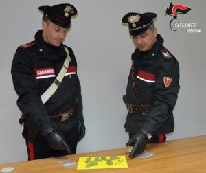 foto sequestro marijuana 300x252 SPACCIO DI MARIJUANA, TRE DENUNCE AD ISERNIA