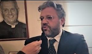COMM DE LUCA 300x226 VILLAGGIO DEI RAGAZZI, CONCORDATO PREVENTIVO. ZINZI: NON MOLLIAMO. LETTERA DEI DIPENDENTI A DE LUCA