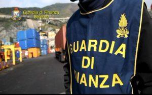 Foto GdF sigarette 300x189 FRODE DA 150 MILIONI DI EURO, ARRESTI IN TUTTA ITALIA