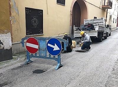 Manutenzione stradale 1 MANUTENZIONE DELLE STRADE:INTERVENTI SU TUTTO IL TERRITORIO CITTADINO