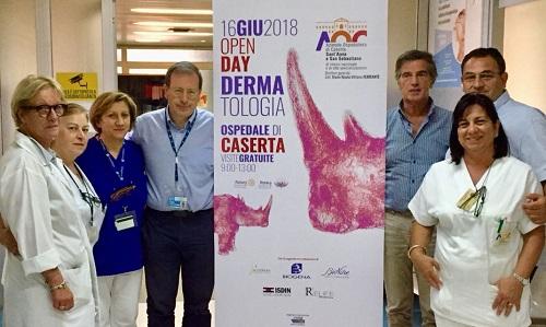 Una parte delléquipe dermatologica ospedaliera OPEN DAY PER LA DERMATOLOGIA CASERTANA, SABATO PORTE APERTE IN OSPEDALE PER VISITE GRATUITE
