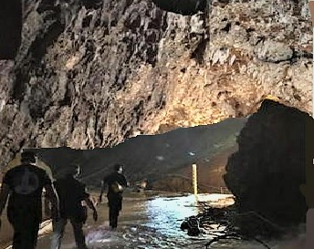 grotta thailandia THAILANDIA, GROTTA DI THAM LUANG: SONO TUTTI SALVI!