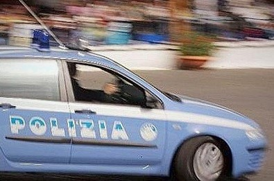 polizia inseguimento POLIZIA INSEGUE AUTO RUBATE: PRESO ALBANESE