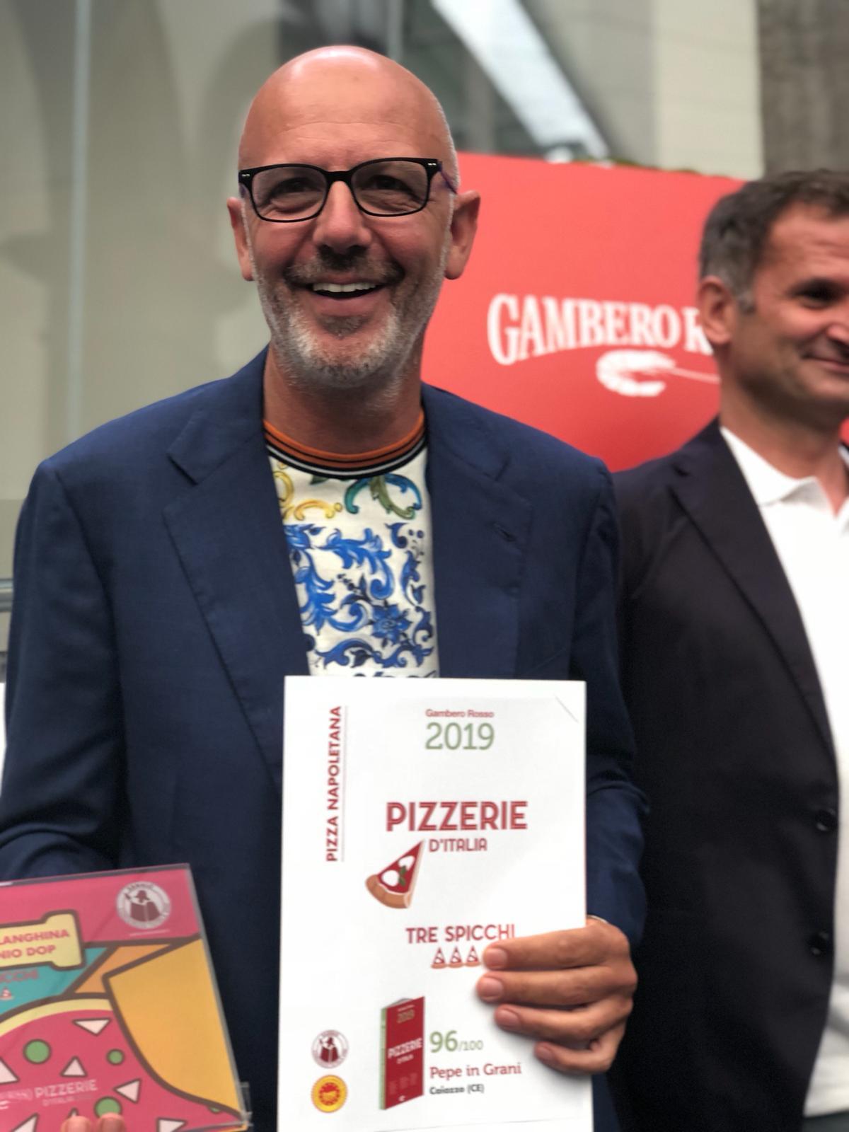%name GUIDA PIZZERIE D'ITALIA 2019 DEL GAMBERO ROSSO:  L'ESTRO CREATIVO DI FRANCO PEPE RICEVE SEI SPICCHI