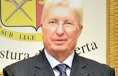 Dr. Compagnone VA IN PENSIONE IL DOTT. COMPAGNONE VENTISEI ANNI AL SERVIZIO DEI CITTADINI DI CASERTA
