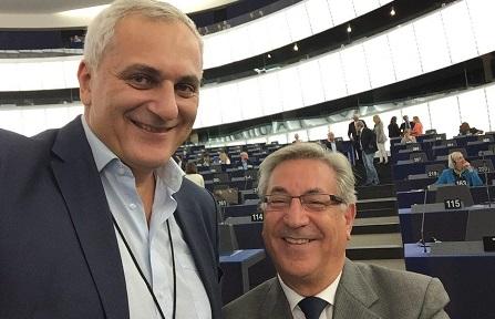 Nicola Caputo con il commissario Karmenu Vella PLASTICA E AMBIENTE, A CASERTA VERTICE CON COMMISSARIO EUROPEO KARMENU VELLA