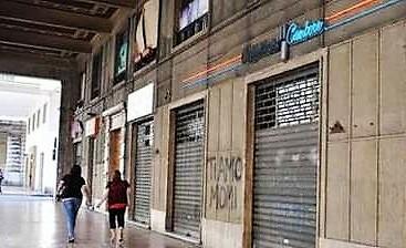 negozi chiusi COMMERCIO,DI MAIO: SACROSANTA LA CHIUSURA DOMENICALE DEI NEGOZI, LEGGE ENTRO LANNO