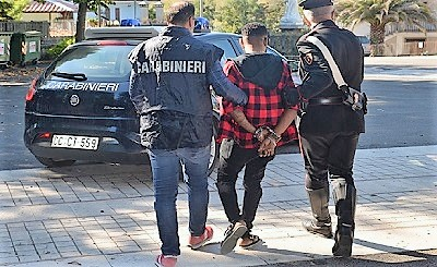 CC arresto BLITZ ANTIDROGA IN CENTRO DACCOGLIENZA: UN ARRESTO, SEQUESTRATE LE DOSI PRONTE PER LA VENDITA