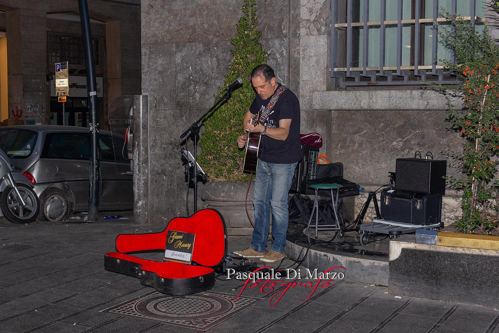 IMG 6947 A NAPOLI IN VIA TOLEDO LA SECONDA EDIZIONE DEL NAPOLI BUSKERS FESTIVAL, LA FOTOGALLERY