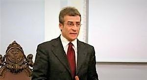 Sindaco Raffae le Ambrosca 1 CANCELLO ED ARNONE, FORMAZIONE: SIGLATA CONVENZIONE TRA COMUNE E UNIVERSITÀ