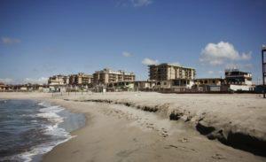 il litorale domitio 770x470 300x183 BAIA DOMIZIA…QUANDO L'ABUSIVISMO È DOC