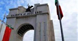 monumento caserta 3 300x158 AL MONUMENTO DEI CADUTI 73ESIMO ANNIVERSARIO REPUBBLICA. FRANCO PEPE DIVENTA CAVALIERE