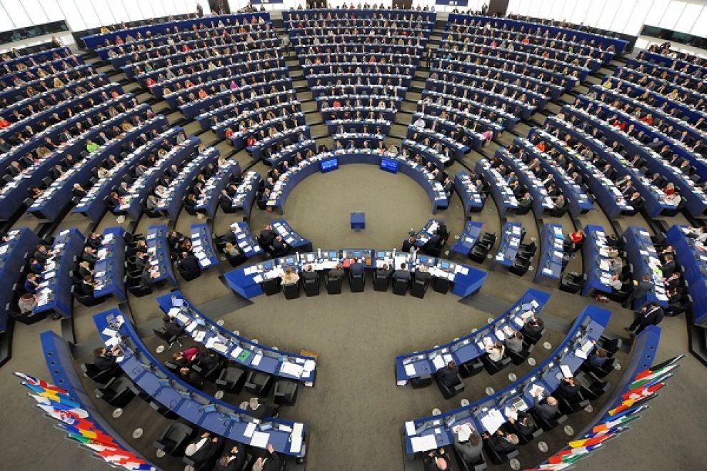 Parlamento europeo GRAND HOTEL EUROPA...AVANTI CÈ POSTO...