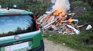 controlli CC Forestale 300x164 ROGHI RIFIUTI, CONTROLLI TRA COMUNI DI CASERTA E NAPOLI