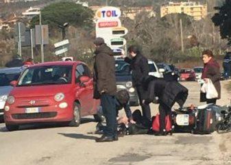 %name CASERTA, UOMO TRAVOLTO DA AUTO: GRAVE INCIDENTE IN VIA LORENZETTI