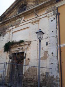 Chiesa tot 225x300 CASAGIOVE, OLTRE I DANNI DI BURIAN CI SONO PROBLEMI CHE NON VENGONO SPAZZATI VIA DAL VENTO