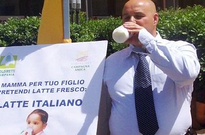 FOTO LOPA LATTE 2 PROTESTA PER IL PREZZO DEL LATTE IN SARDEGNA  LOPA (MNS): IO STO CON I PASTORI SARDI E PER IL LATTE ITALIANO