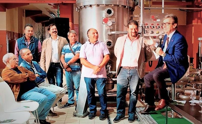R. Cotarella con lo staff de La Guardiense GUARDIA SANFRAMONDI (BN): RICONOSCIMENTO ALLENOLOGO RICCARDO COTARELLA