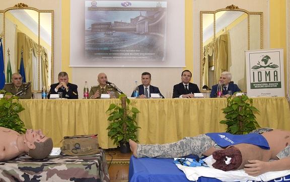 Tavolo dei relatori ESERCITO:CONFRONTO FRA ESPERIENZE CIVILI E MILITARI NELLE EMERGENZE