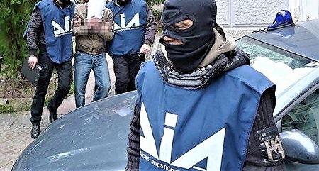 camorra veneto arresti DALLA PROVINCIA DI CASERTA AL VENETO, ALLALBA BLITZ ANTICAMORRA: 50 ARRESTI