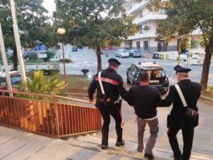 arresto CC 1 1 300x225 DUE ARRESTI A SAN CIPRIANO PER SPACCIO: CE ANCHE UN MINORENNE