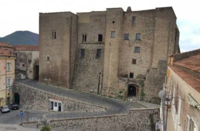 castello sessa aurunca e1551443055919 TREMATE, TREMATE I DUCHI SON TORNATI: GENNARO OLIVIERO E IL POTERE SESSANO (PARTE I)