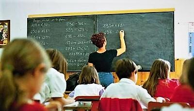 scuola elementare alunni MAESTRE MACERATA CAMPANIA, STUDENTE MALATO DI CELIACHIA PERDE 20 CHILI PER UNA BOCCIATURA. LETTERA APERTA DEL PADRE ALLA FRANZESE, DIRETTRICE DELL'URS DELLA CAMPANIA
