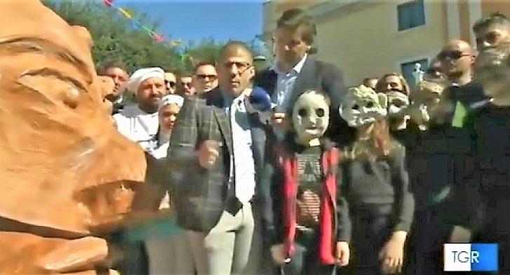 """villano carnevale atellano GRICIGNANO D'AVERSA, IL """"CARNEVALE ATELLANO 2019"""" REGISTRA PRESENZE DA RECORD"""