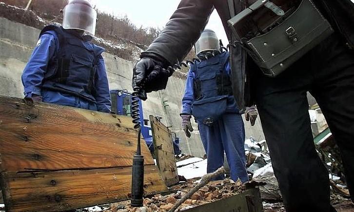 Uranio impoverito BOMBARDAMENTI IN SERBIA, URANIO IMPOVERITO: INCONTRO TRA MINISTRI E MALATI