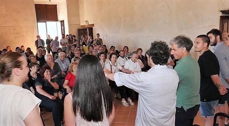 momenti delliniziativa svolta a Venafro NEUROMED: COMBATTERE IL PARKINSON NELL'ARTE E NELLA BELLEZZA