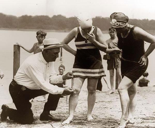 pattuglie della spiaggia anni 20  IL COSTUME DA BAGNO...E LEMANCIPAZIONE FEMMINILE